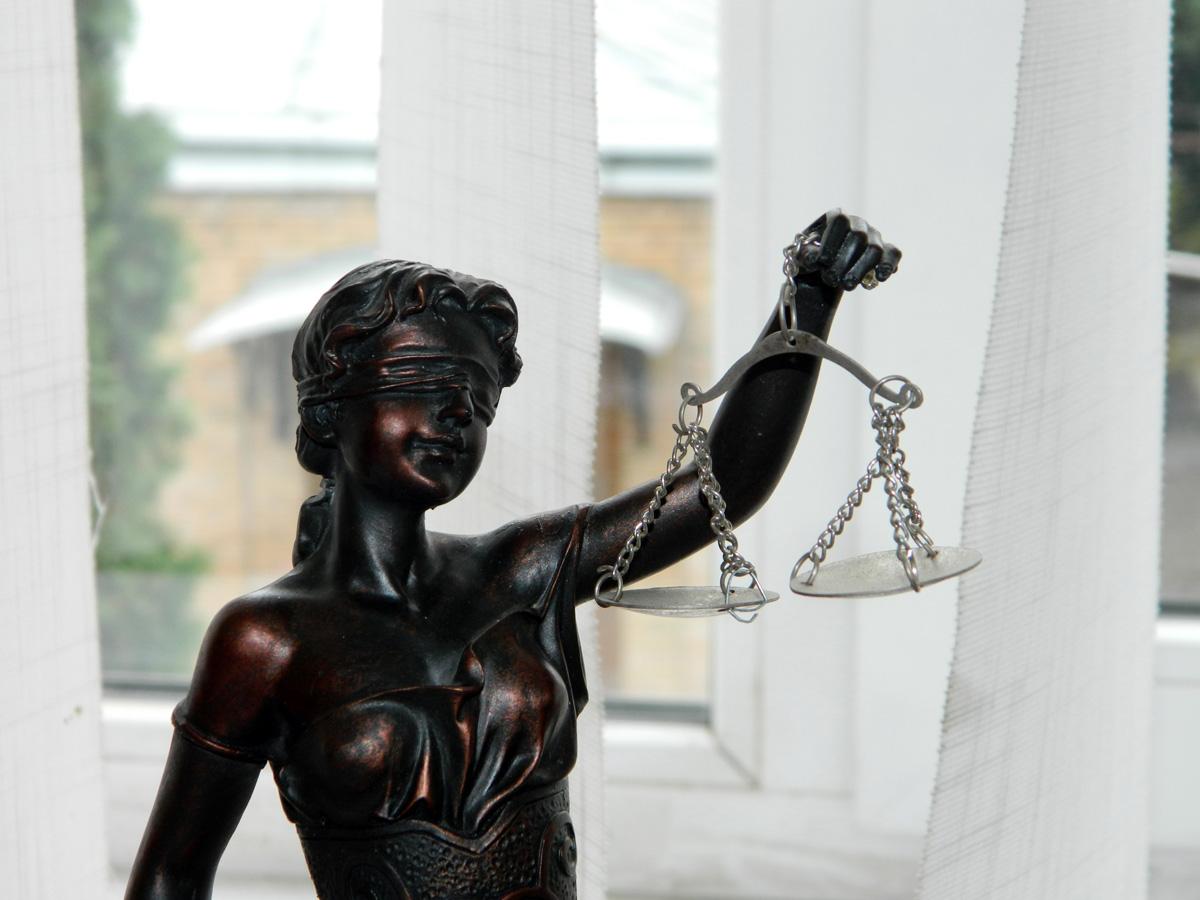 Міжнародний розшук очима суддів ВАКС: чи потрібен їм Інтерпол?